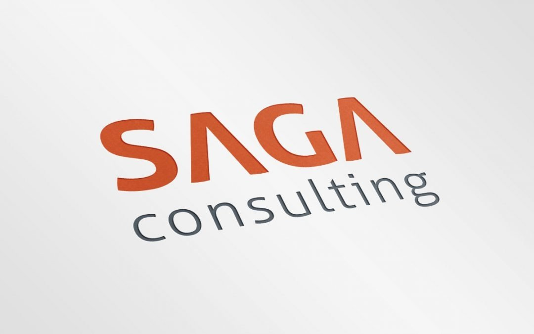 Saga Consulting – Logotipo, cartões, envelope e papel de carta